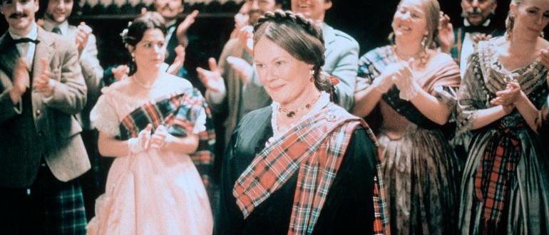 герои из фильма Ее величество миссис Браун (1997)