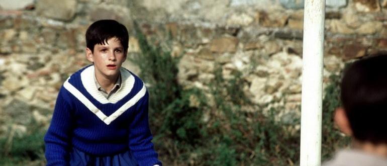 кадр из фильма Дурное воспитание (2004)
