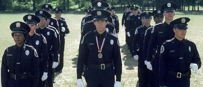 комедия Полицейская академия (1984)