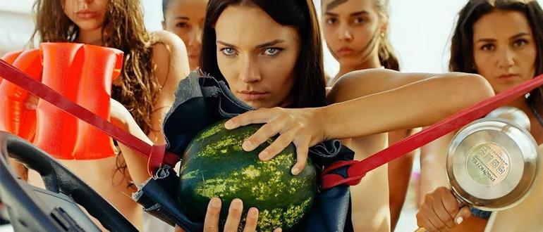 кадр из фильма Женщины против мужчин: Крымские каникулы (2018)