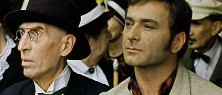 сцена из фильма 12 стульев (1971)