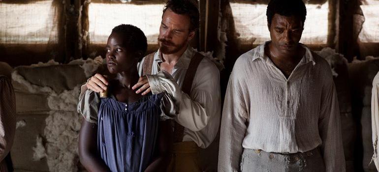 сцена из фильма 12 лет рабства (2013)