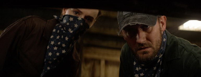 триллер Дом напротив (2016)