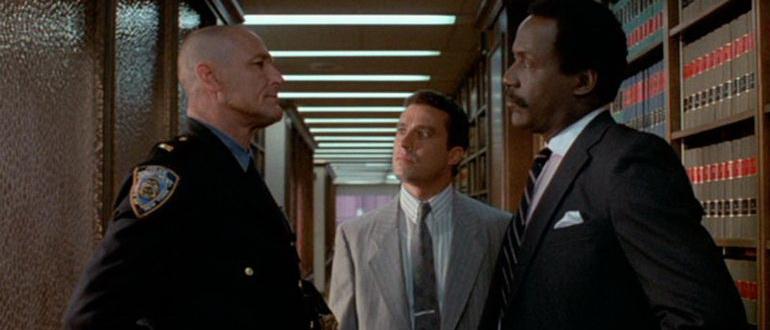 кадр из фильма Маньяк-полицейский (1988)