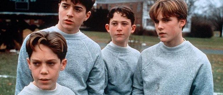 кадр из фильма Спящие (1996)