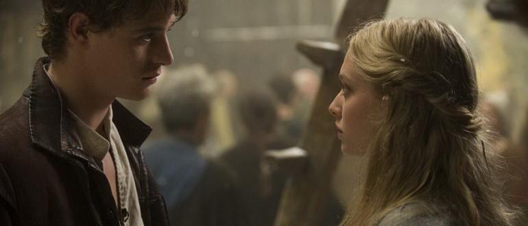 сцена из фильма Красная шапочка (2011)