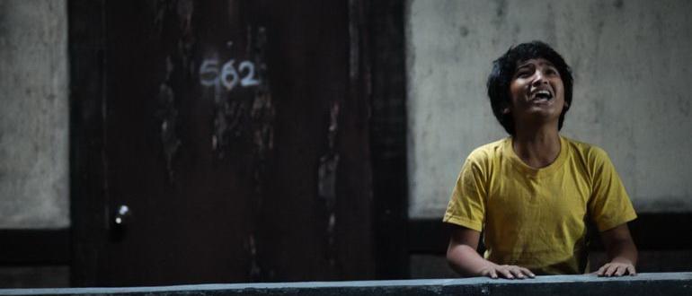 сцена из фильма Рейд (2012)