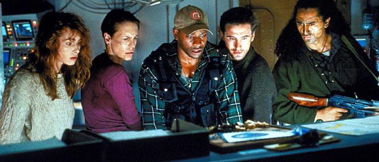 кадр из фильма Вирус (1999)