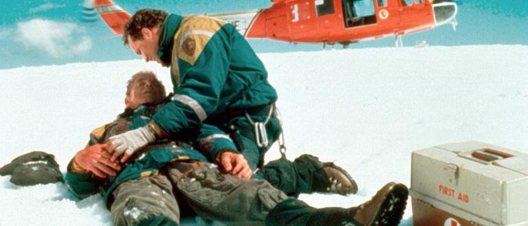 кадр из фильма Скалолаз (1993)