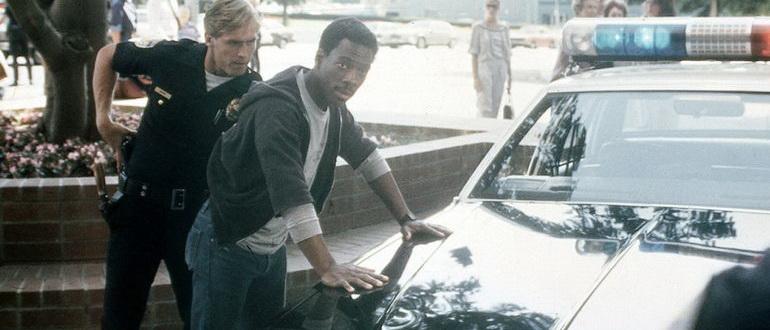 сцена из фильма Полицейский из Беверли-Хиллз (1984)