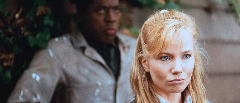 кадр из фильма Рука, качающая колыбель (1992)