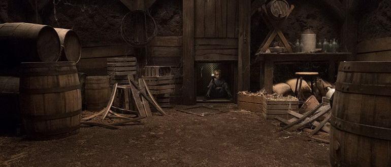сцена из сериала Призраки дома на Холме (2018)