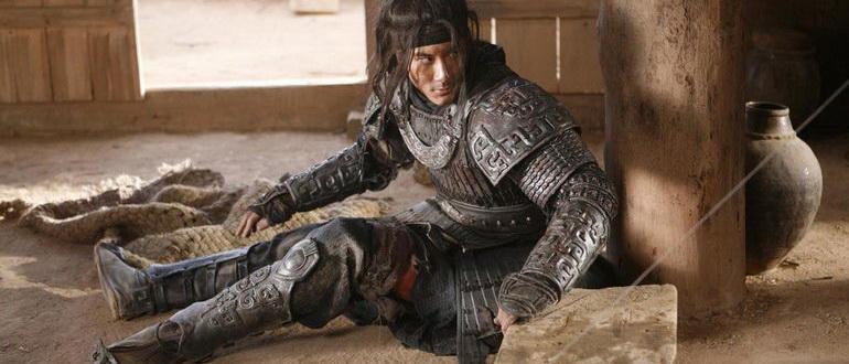 сцена из фильма Большой солдат (2010)
