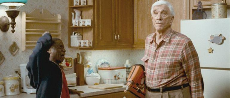 кадр из фильма Супергеройское кино (2008)