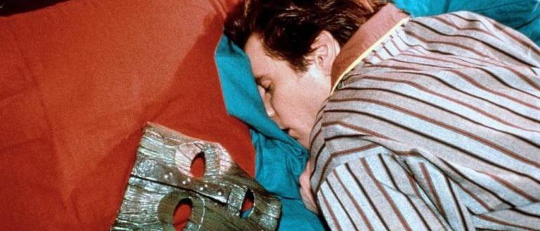 кадр из фильма Маска (1994)