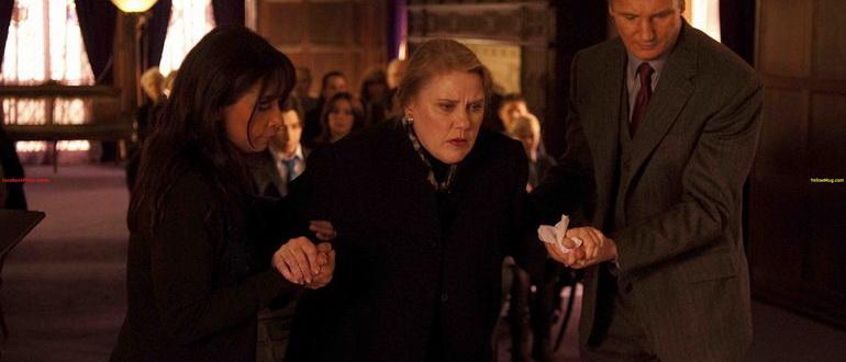 кадр из фильма Жизнь за гранью (2010)
