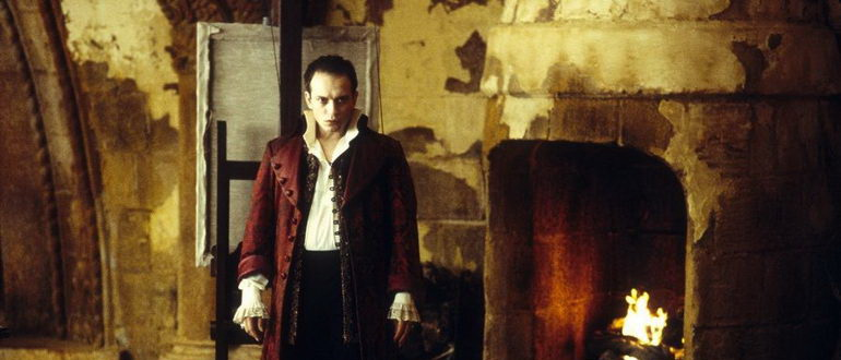 кадр из фильма Королева проклятых (2002)