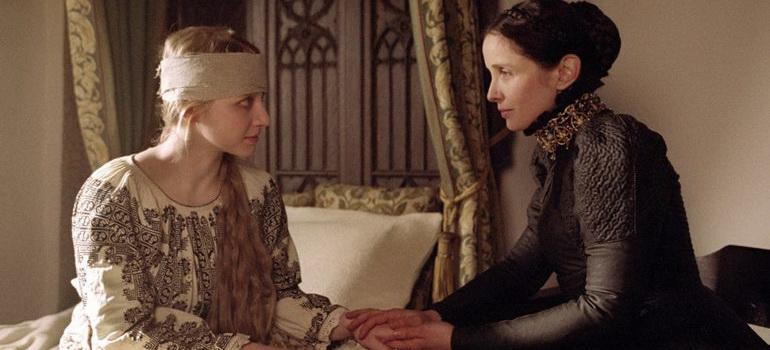 сцена из фильма Графиня (2009)