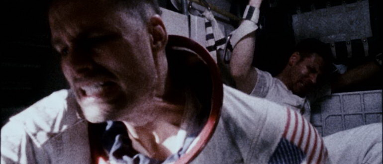 сцена из фильма Аполлон 18 (2011)