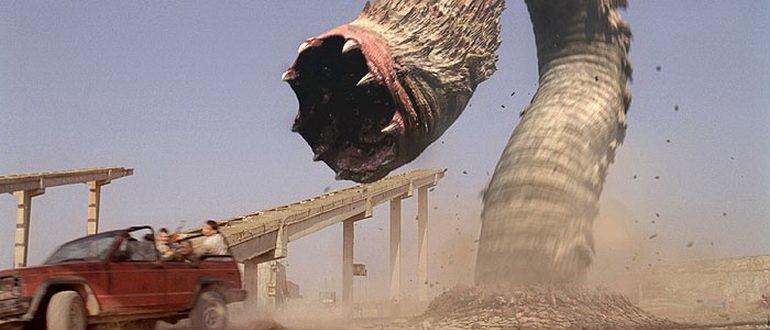 кадр из фильма Змеи песка (2009)