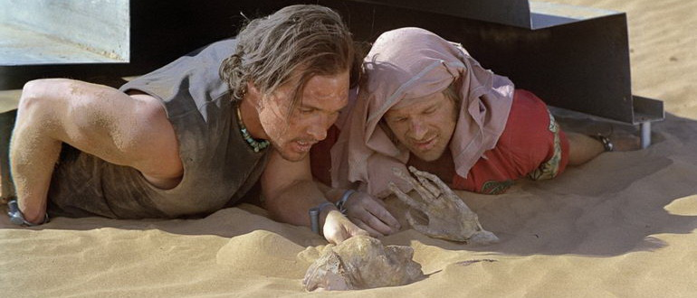 сцена из фильма Сахара (2005)