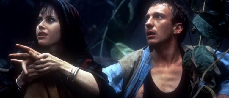 сцена из фильма Остров доктора Моро (1996)