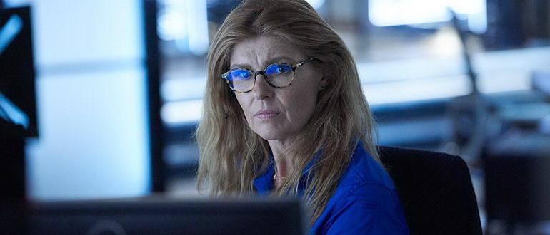 сцена из сериала 9-1-1 (2018)