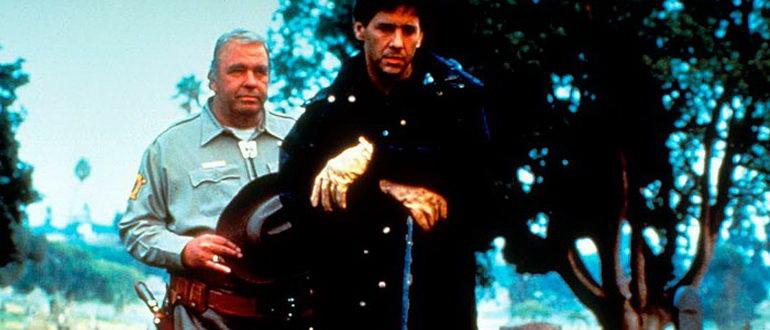 кадр из фильма Похороненные заживо (1990)