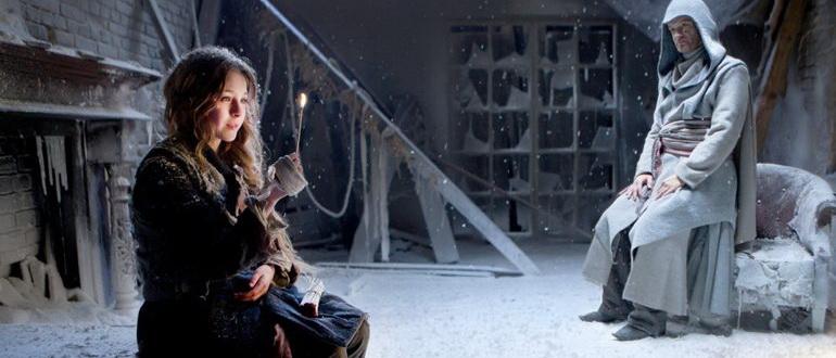 кадр из фильма Девочка со спичками (2013)