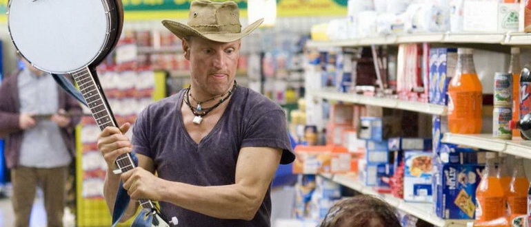 кадр из филма Добро пожаловать в Zомбилэнд (2009)