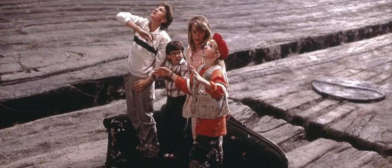 кадр из фильма Дорогая, я уменьшил детей (1989)