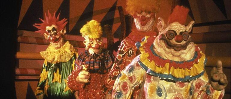 кадр из фильма Клоуны-убийцы из космоса (1988)
