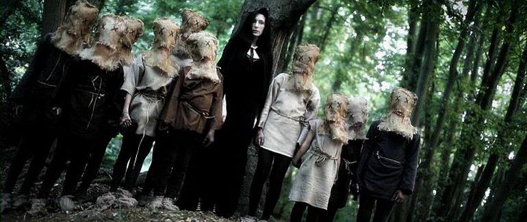 кадр из фильма Проклятие ведьминого дерева (2015)
